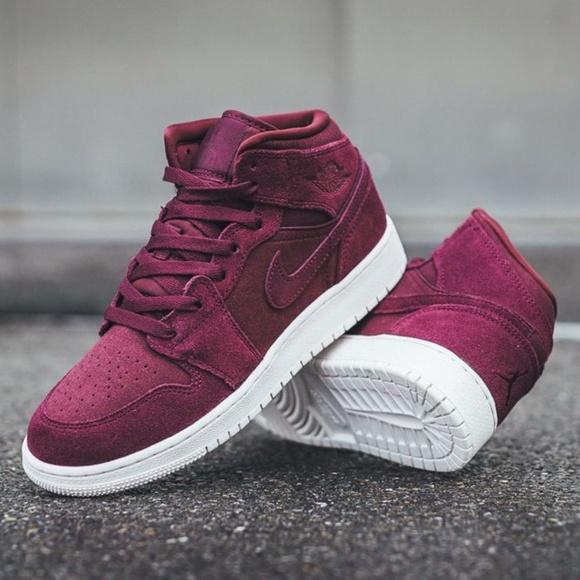 b431e6f1b3c Nike Air Jordan 1 Mid Bordeaux Burgundy Size 8